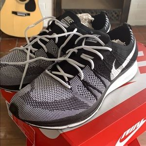 Nike flyknit trainer Oreo 9.5